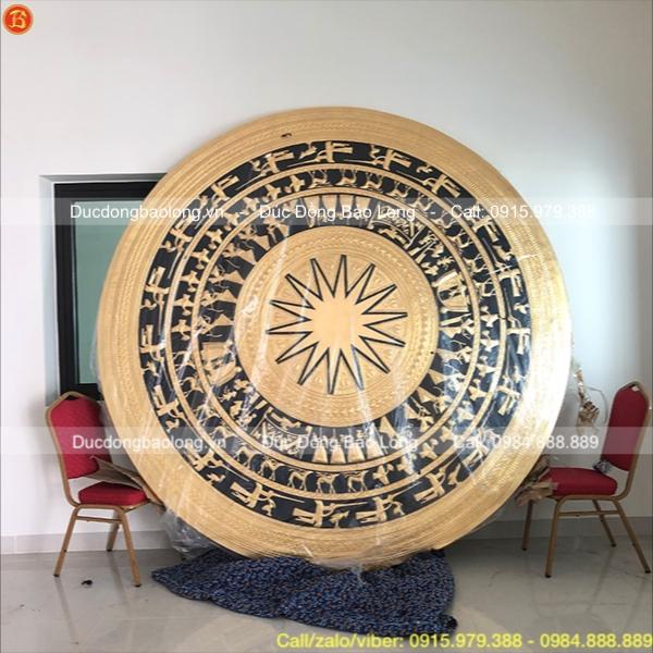 Mặt trống đồng dát vàng 9999 lớn đường kính 2m5