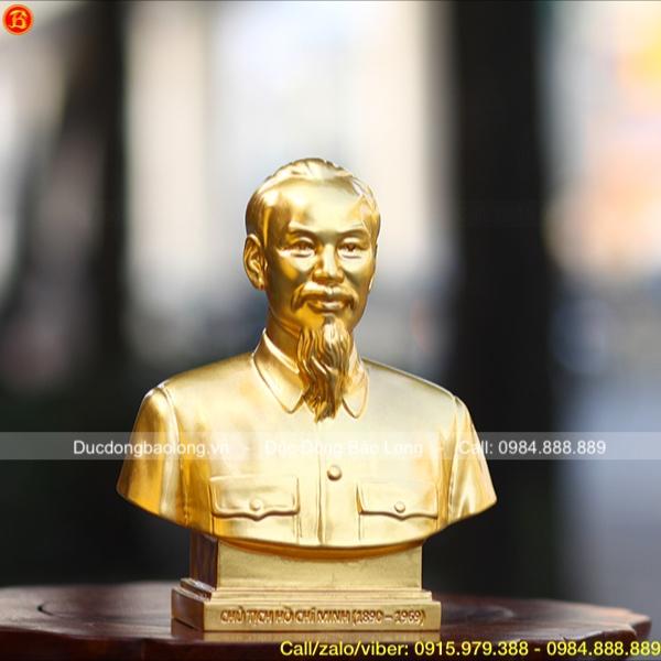 Tượng Bác Hồ bán thân dát vàng 9999 cỡ nhỏ cao 20 cm