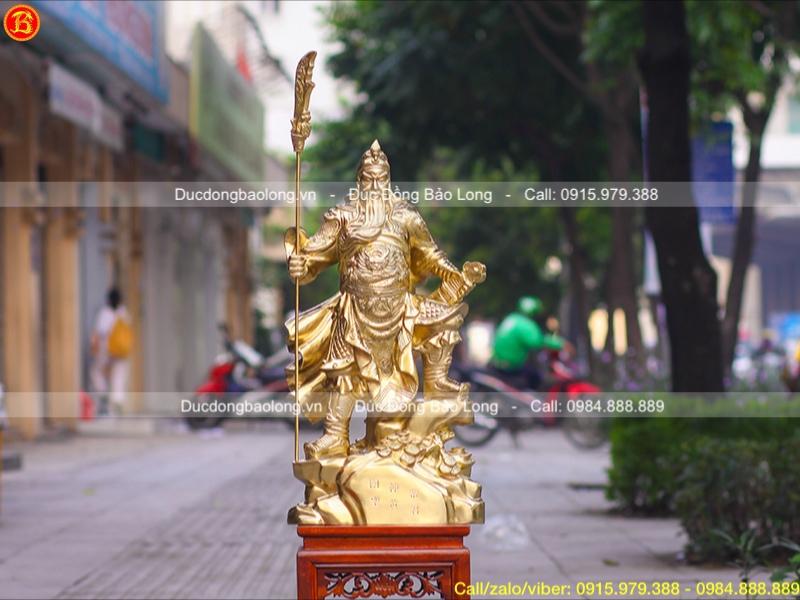 Tượng Quan Công đứng chống một chân bằng đồng catut cao 69cm