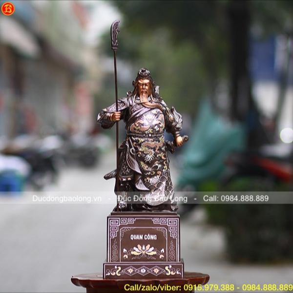 Tượng Quan Công khảm Tam khí bệ vuông cao 48cm