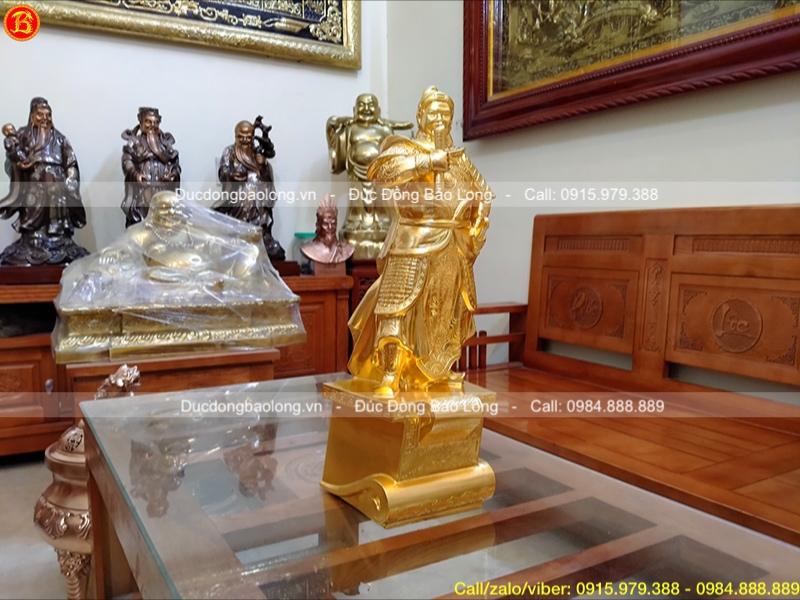 Tượng Trần Hưng Đạo dát vàng vàng 9999 bệ thuyền cao 48cm