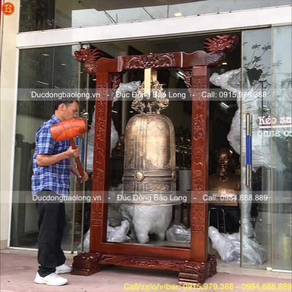 Chuông đồng đúc cho chùa ở Vũng Tàu trọng lượng 190kg