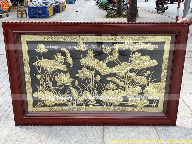 Tranh Hoa Sen bằng đồng khung gỗ 1m27 x 81cm