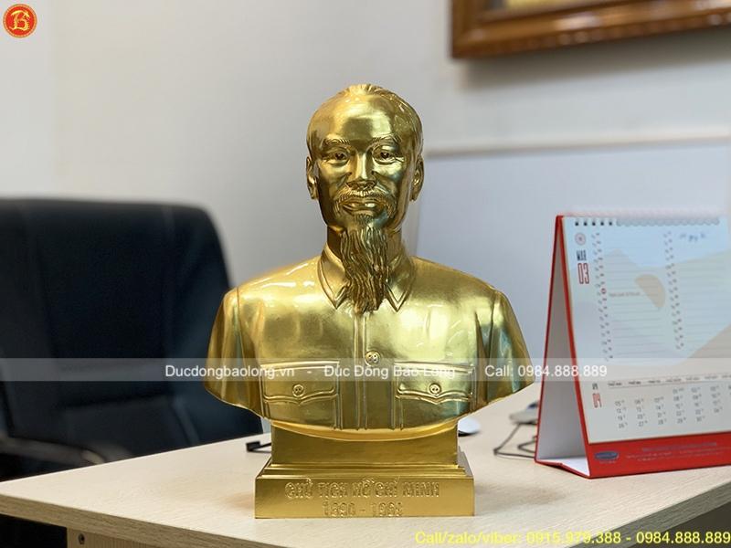 Đúc tượng Bác Hồ bán thân dát vàng cao 30cm