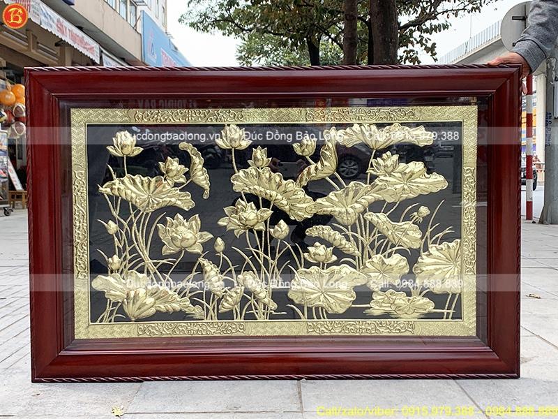 tranh hoa sen bằng đồng