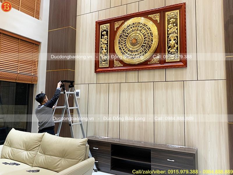 Treo tranh Mặt trống đồng Hoa Sen mạ vàng 2m17