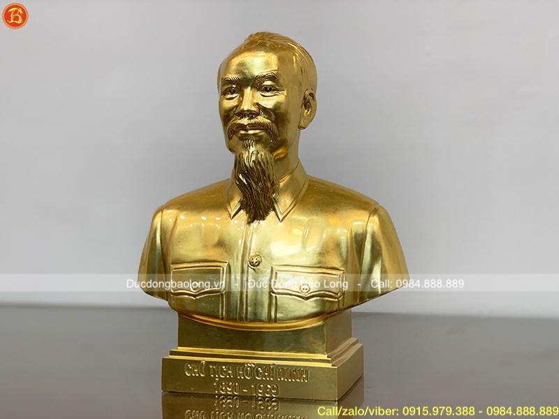 tượng bác hồ bán thân dát vàng