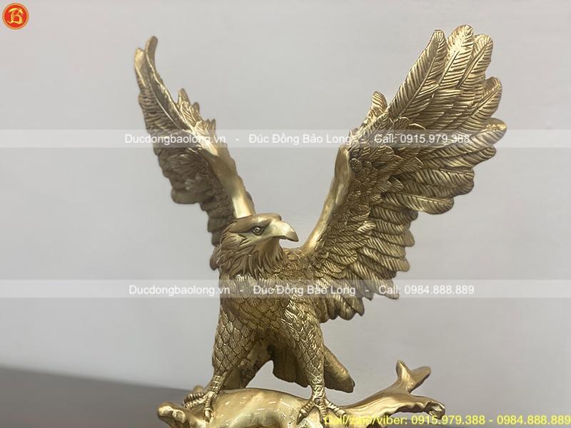 Tượng Chim Đại Bàng tung cánh bằng đồng vàng 42cm