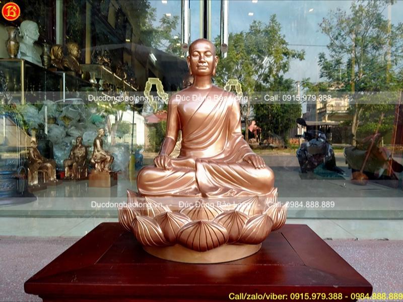 tượng Phật hoàng ngồi đài sen bằng đồng đỏ