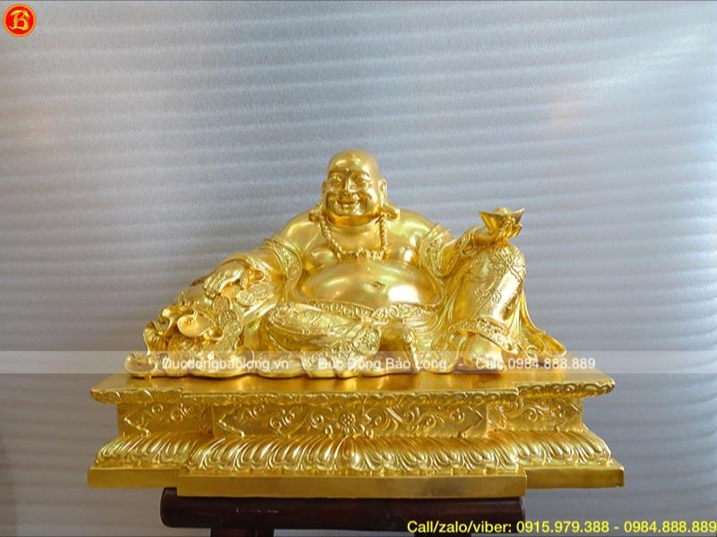 Tượng Phật Di Lặc ngồi bệ sen dát vàng cho khách HN