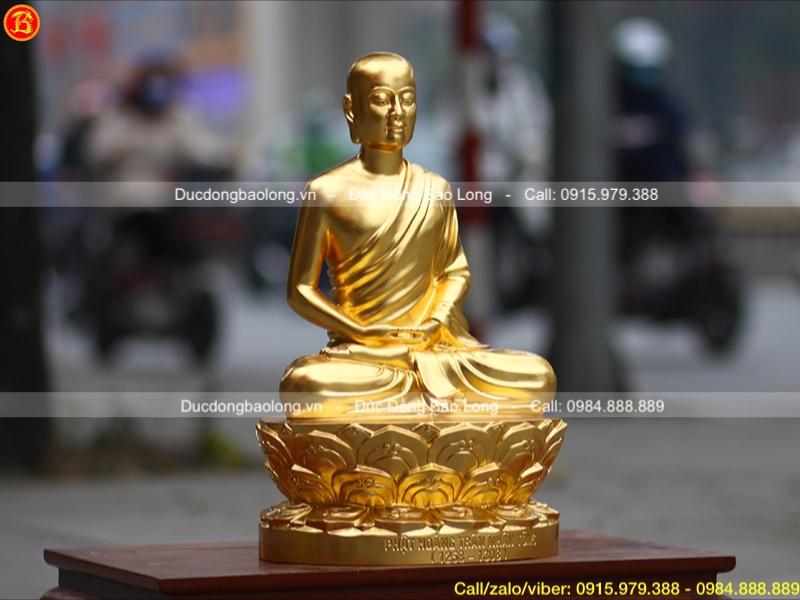 tượng phật hoàng trần nhân tông dát vàng