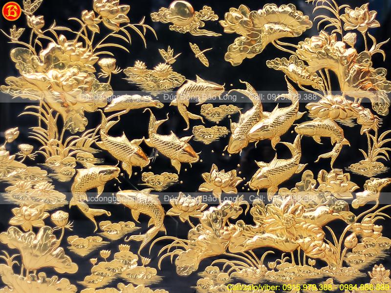 Tranh Cá Chép Hoa Sen 1m4 x 1m7 Mạ Vàng Khung Gỗ Gụ