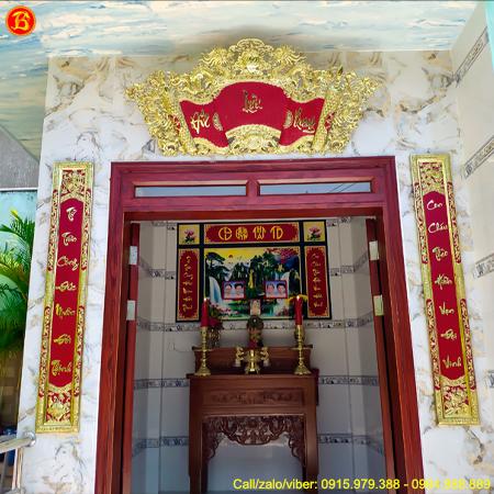 Cuốn Thư Câu Đối Đức Lưu Quang 1m55 Bằng Đồng Nền Đỏ