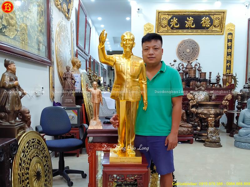 tượng Bác Hồ đứng vẫy tay chào cao 1m Dát vàng