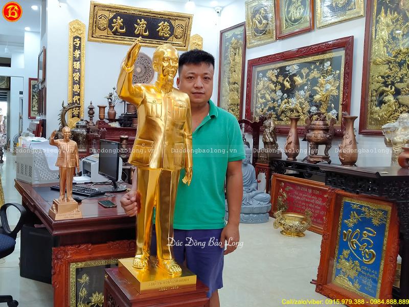 Tượng Bác Hồ Đứng Vẫy Tay Chào Cao 1m Dát Vàng 9999